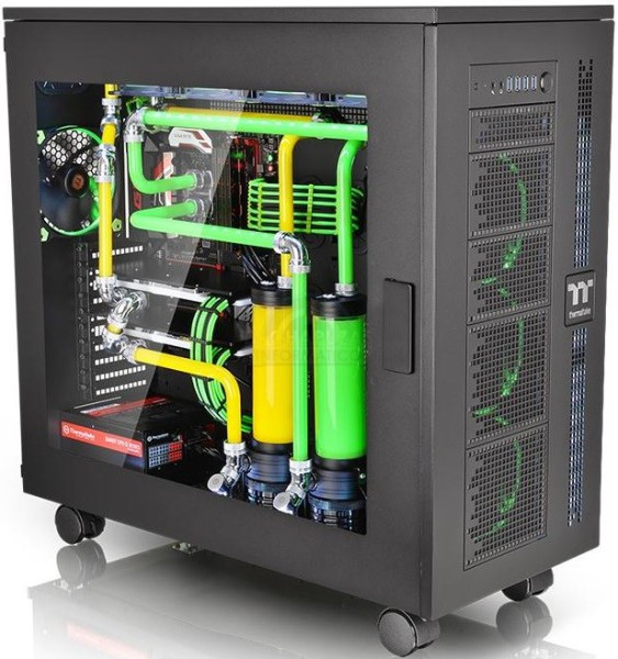 Thermaltake Core WP100 4 563x600 3