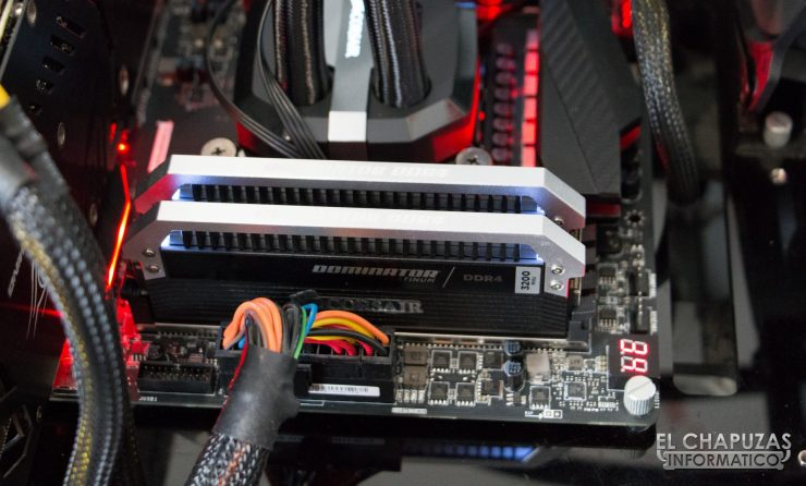 Corsair Dominator Platinum DDR4 (Quad Channel) 11