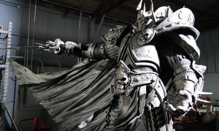 arthas-estatua-completa
