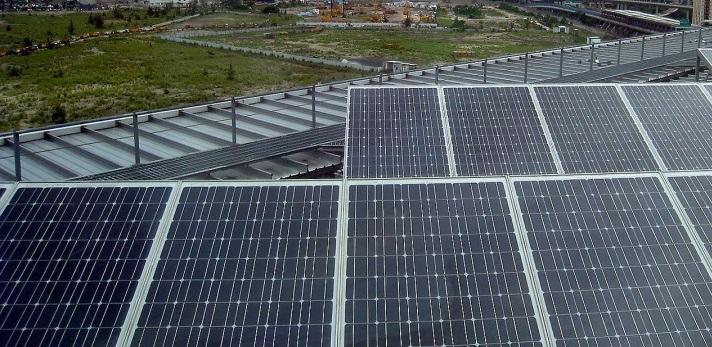 Placas-solares-d%C3%ADa-nubloso-Portada.jpg