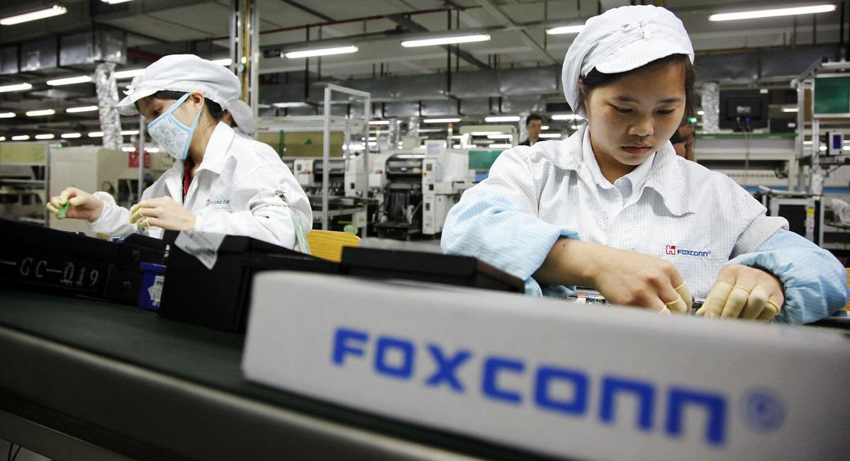 Apple y Foxconn admiten incumplir las leyes laborales de China en sus fábricas