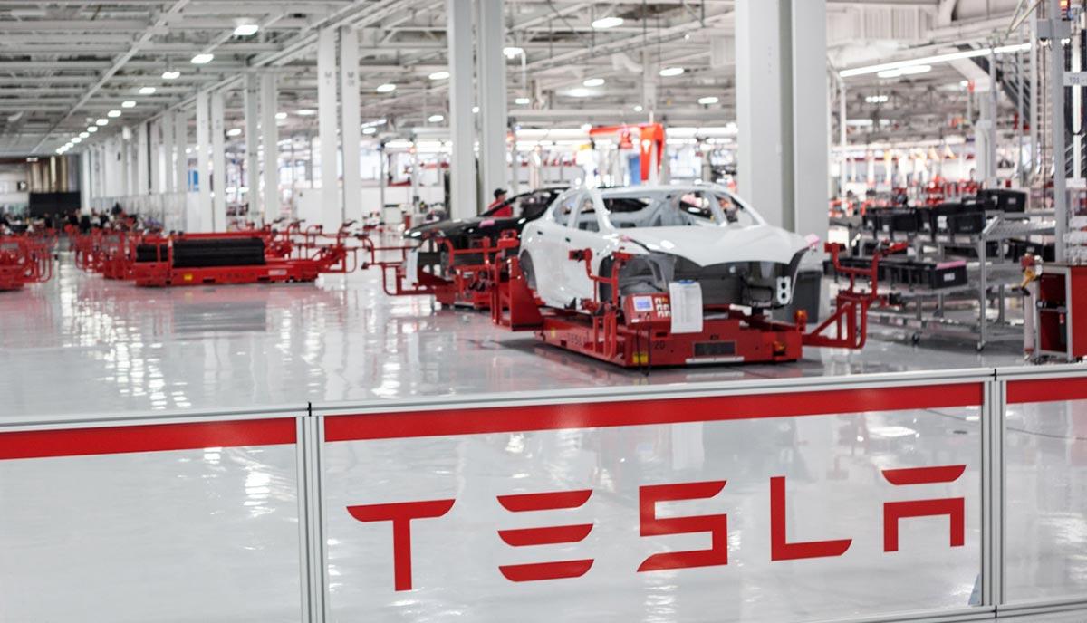 Un exempleado de Tesla da a conocer las supuestas malas prácticas de la marca
