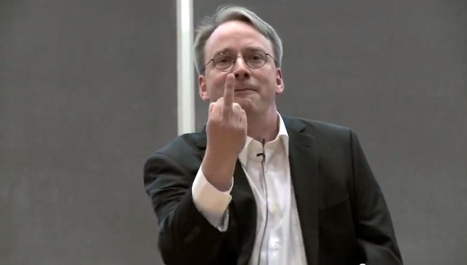 """Linus Torvalds: """"La industria tecnológica es una mierda"""""""