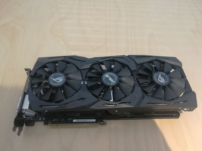 Asus Strix GeForce GTX 1080 Ti 2 1
