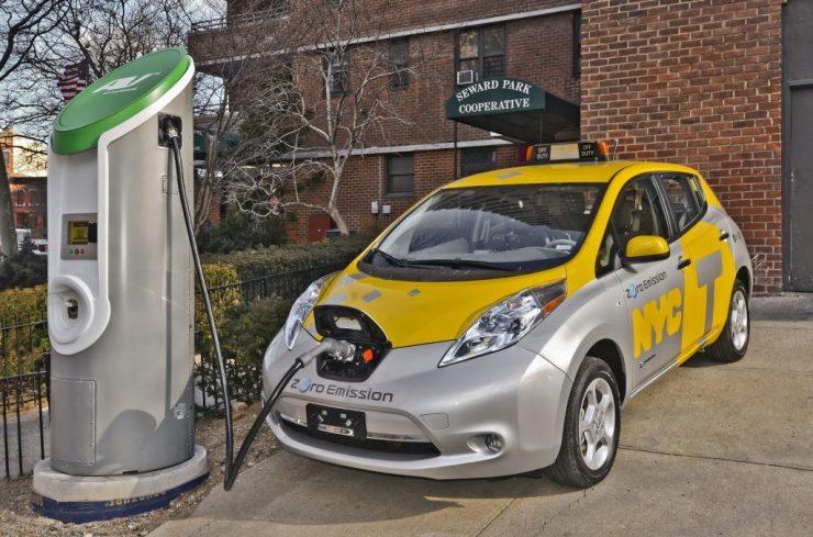 coche eléctrico taxi 740x489 0