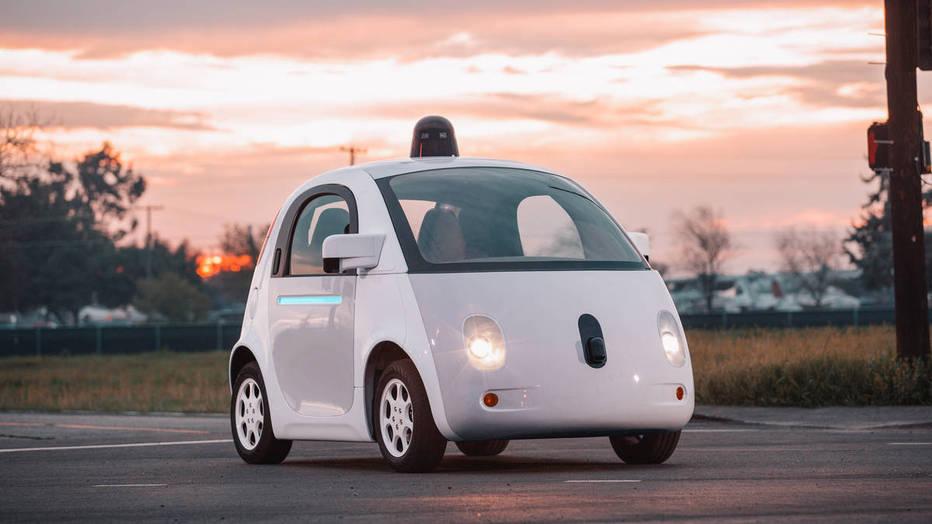 California cambia su regulación para favorecer la circulación de vehículos autónomos