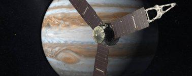 Los informes de la sonda Juno revelan enormes tormentas en Júpiter