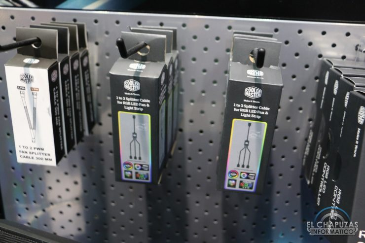Cooler Master 1 to 3 Splitter Cable for RGB Fans 740x493 6