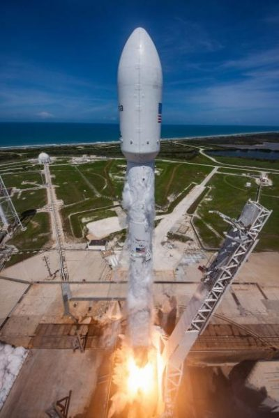 spacex falcon9 doble lanzamiento 400x600 1