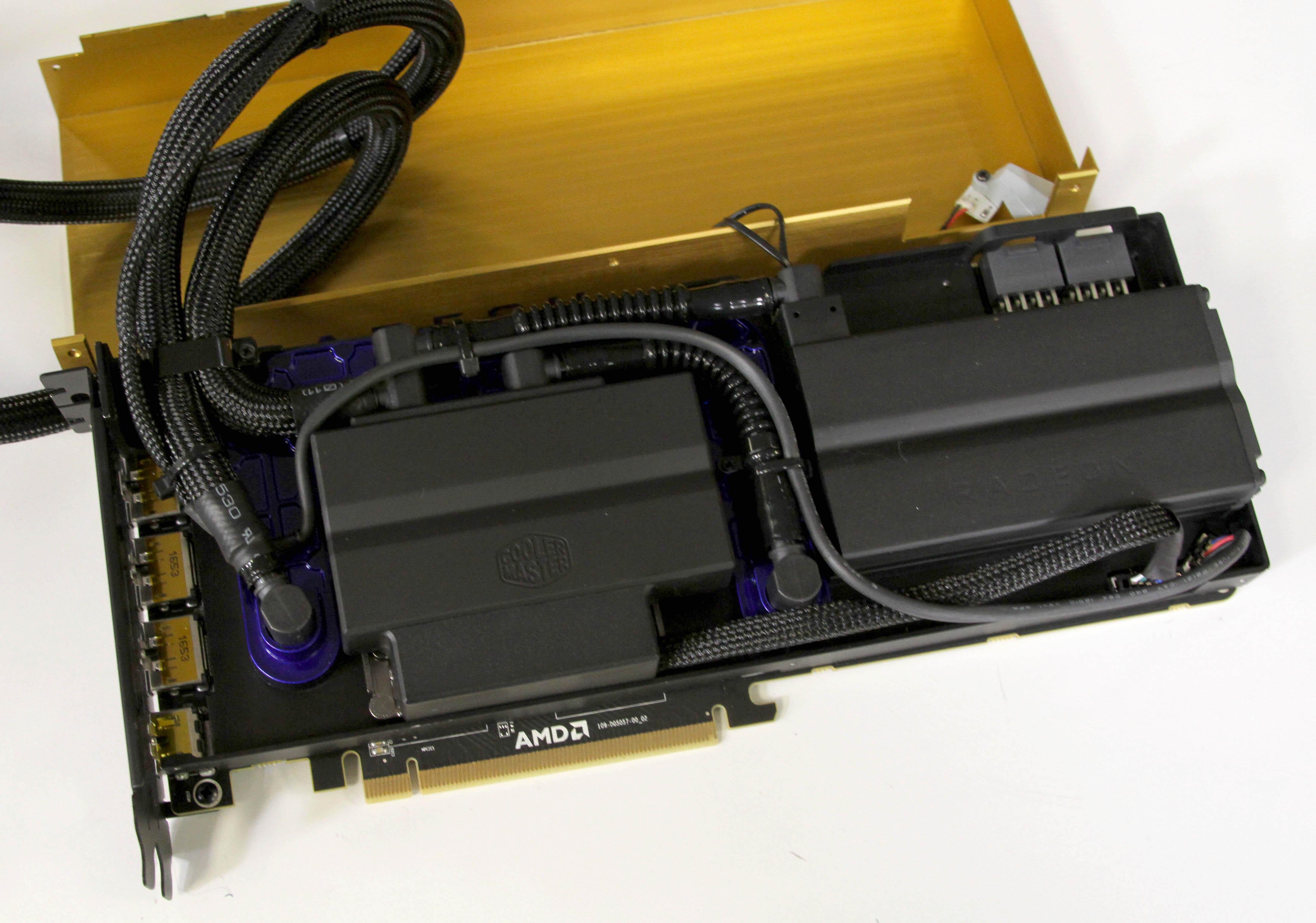 AMD-Radeon-Vega-Frontier-l%C3%ADquida-Co