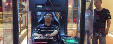 Instalan 'cabinas gaming' en un centro comercial de China