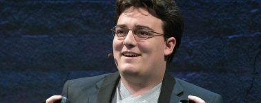 Palmer Luckey pregunta a sus seguidores en Reddit si debería comprar HTC Vive