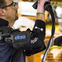 Ford diseña un exoesqueleto para ayudar a sus trabajadores