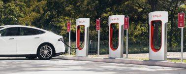 Tesla prohibirá el acceso de los Supercargadores a taxis y VTCs