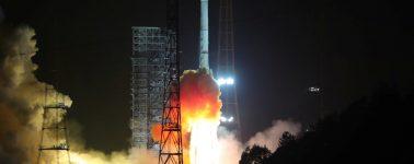 El propulsor de un cohete chino se desprende y explota cerca de un pueblo