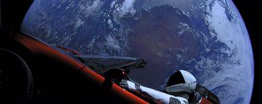 Las imágenes del lanzamiento del Falcon Heavy despiertan la teoría de que la Tierra es 'plana'