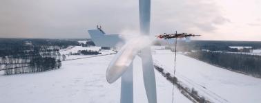 Aerones, la compañía que fabrica enormes drones capaces de descongelar turbinas eólicas