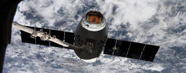 La cápsula Dragon de SpaceX se acopla con total éxito a la Estación Espacial Internacional