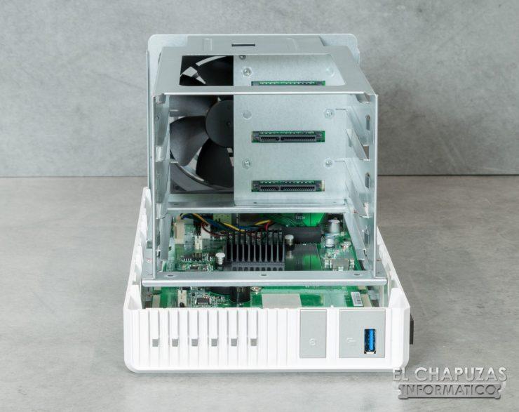 QNAP TS 328 13 740x587 15
