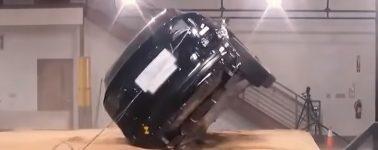 Tesla muestra en vídeo la capacidad de su Model X para no volcar