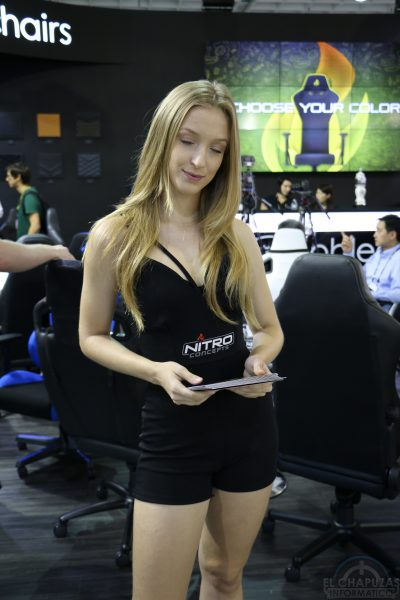 Booth Babes 2018 12 400x600 12