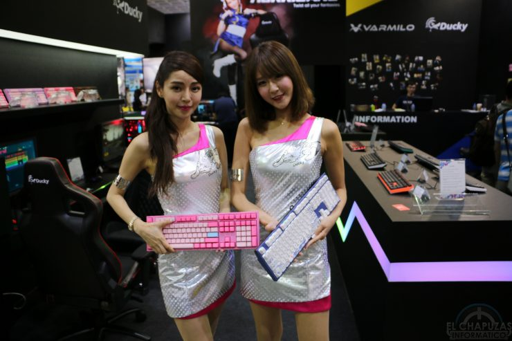 Booth Babes 2018 18 740x493 18
