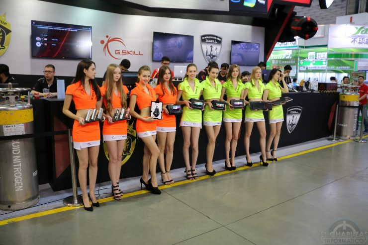 Booth Babes 2018 20 740x493 20