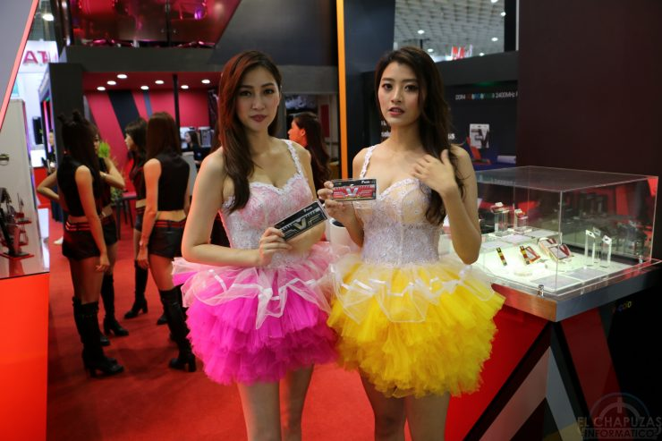 Booth Babes 2018 25 740x493 25
