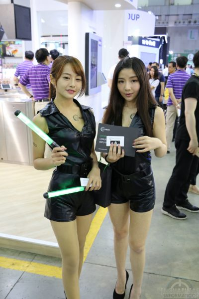 Booth Babes 2018 45 400x600 45