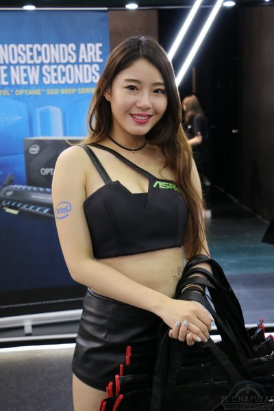 Booth Babes 2018 48 400x600 48