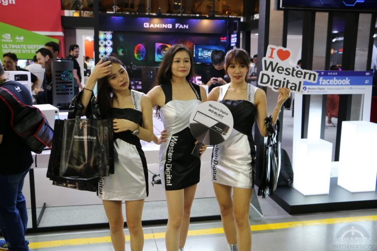 Booth Babes 2018 5 740x493 5