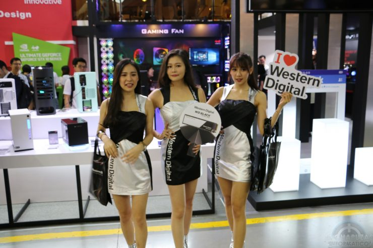 Booth Babes 2018 7 740x493 7