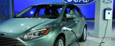Ford llama a revisar los cables de carga de 50.000 vehículos híbridos y EV