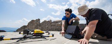Intel manda sus drones Falcon 8+ a China para ayudar a preservar la Gran Muralla
