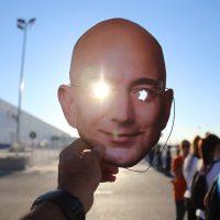 Trabajadores de Amazon protestan ante las políticas climáticas de la compañía