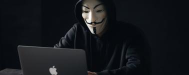 Un adolescente robó 90GB de datos confidenciales de los servidores de Apple