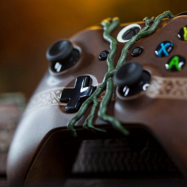 Xbox One X Shadow of the Tomb Raider 3 600x600 2