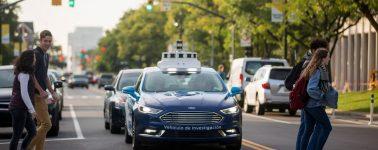 Reino Unido tendrá autobuses y taxis autónomos para 2021
