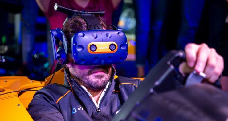 Fernando Alonso HTC Vive Pro McLaren Limited Edition 740x394 0