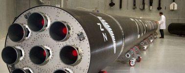 Rocket Lab quiere recuperar los cohetes que manda al espacio, y lo hará desde el aire con helicópteros