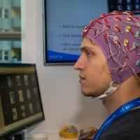 Samsung está preparando un software para controlar la televisión con el cerebro