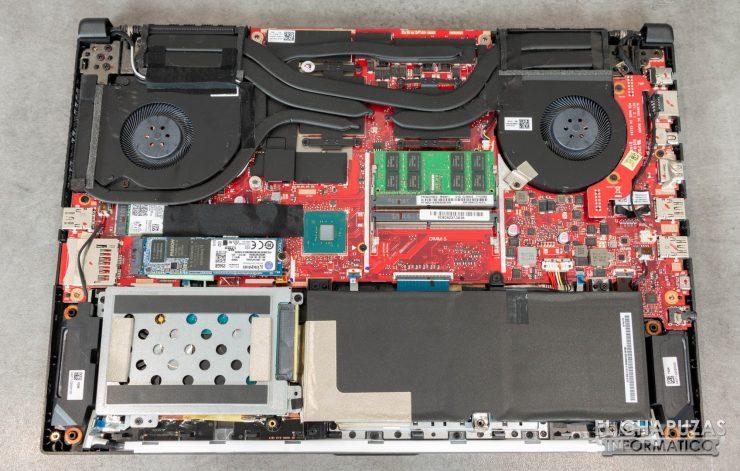 Asus ROG Strix SCAR II (GL504GS) Interior