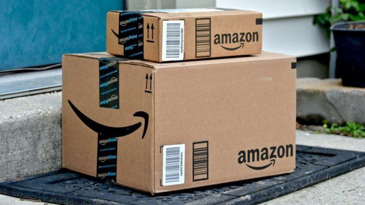 Caja Amazon Prime en la puerta
