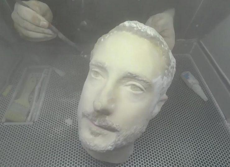 cabeza impresa frente al reconocimiento facial