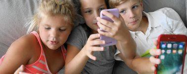 El Gobierno de Japón avisa, los smartphones están destruyendo la vista de los estudiantes