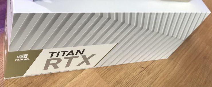 Caja de la Nvidia GeForce TITAN RTX