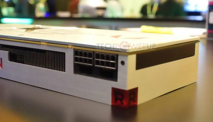 conectores PCIe AMD Radeon VII