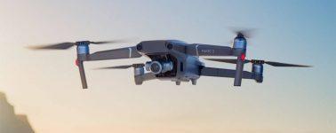 Los drones de DJI podrán volar sobre multitudes, pero sólo si llevan un paracaídas