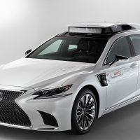 Toyota presenta su vehículo autónomo más inteligente: el Lexus LS 500h