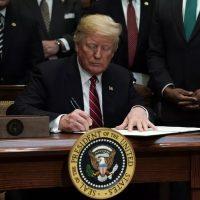 Donald Trump pone en un compromiso a las redes sociales: libertad de expresión o la quiebra